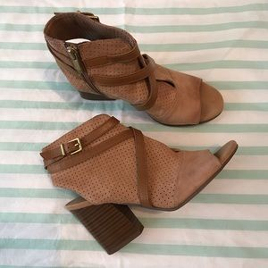 Franco Sarto Fantana Tan Suede Leather Heel 6.5